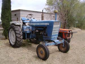 tracteur Ford 7200
