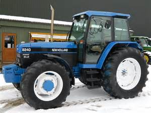 tracteur Ford 8240