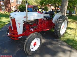tracteur Ford 850