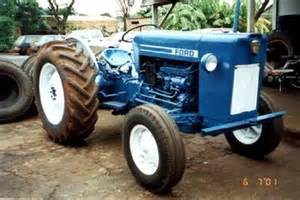 tracteur Ford 8BR