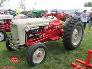 tracteur Ford NAA