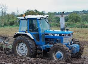 tracteur Ford TW-15
