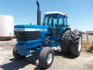 tracteur Ford TW-30