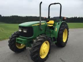 tracteur John Deere 5215