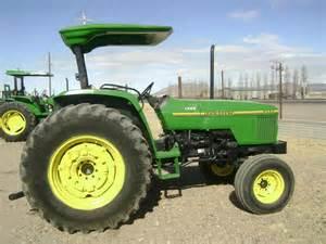 tracteur John Deere 5500
