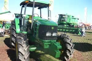 tracteur John Deere 6110J