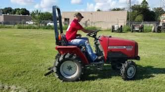 tracteur Massey Ferguson 1205