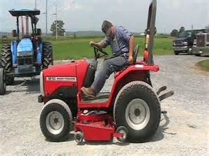 tracteur Massey Ferguson 1210
