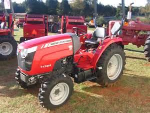 tracteur Massey Ferguson 1739E