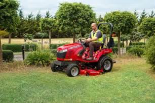 tracteur Massey Ferguson GC1715