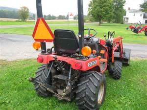 tracteur Massey Ferguson GC2300