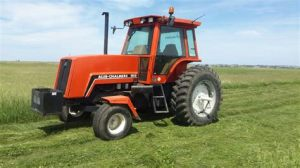 tracteur Allischalmers 8010