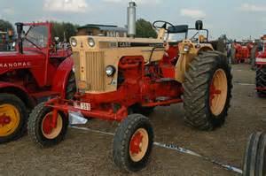 tracteur Case 810
