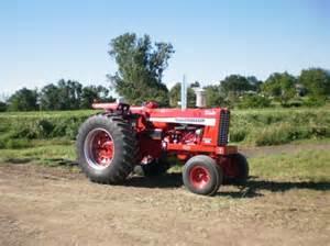 tracteur IH 1256