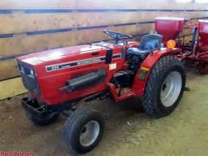 tracteur IH 244