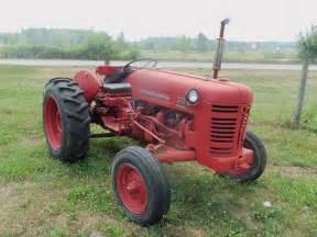 tracteur IH 300