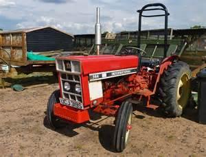 tracteur IH 384