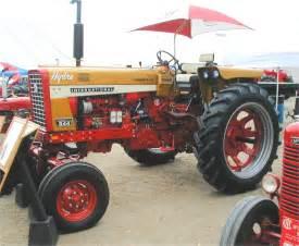 tracteur IH 544