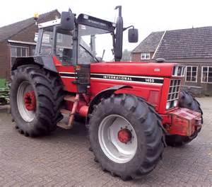 tracteur IH 553