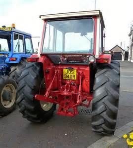 tracteur IH 674
