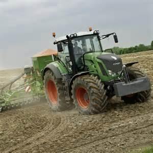 tracteur IH 826