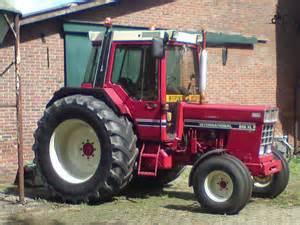 tracteur IH 856