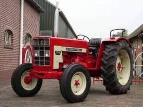 tracteur IH 884