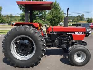 tracteur IH 885