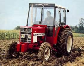 tracteur IH 946