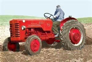 tracteur IH B-250