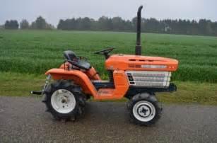 tracteur Kubota B1200
