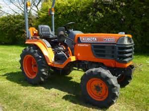 tracteur Kubota B2100