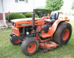 tracteur Kubota B8200