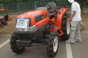 tracteur Kubota KL27