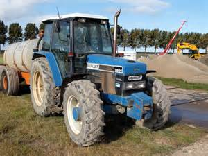 tracteur New Holland 6640