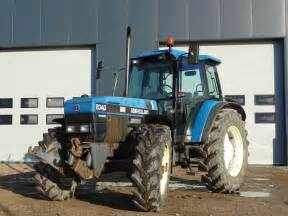 tracteur New Holland 8340