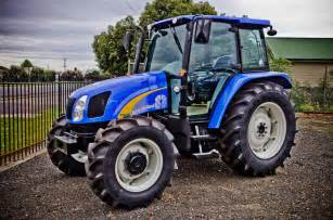 tracteur New Holland 9880