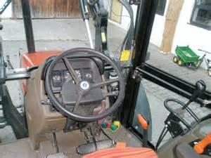 tracteur New Holland L85