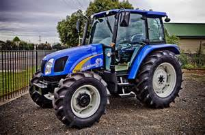 tracteur New Holland TB110