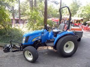 tracteur New Holland TC33DA
