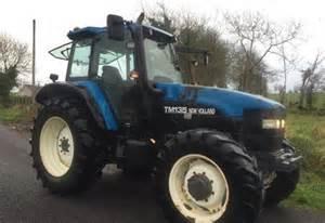 tracteur New Holland TM135