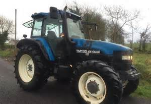 tracteur New Holland TM135
