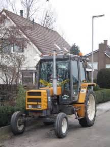 tracteur Renault 85-12