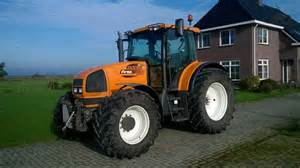 tracteur Renault ARES 696