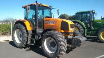 tracteur Renault ARES 710
