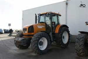 tracteur Renault ARES 826
