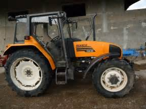 tracteur Renault CERES 330