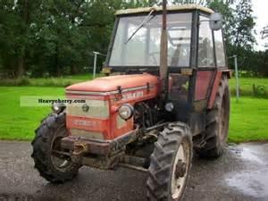 tracteur Zetor 5748