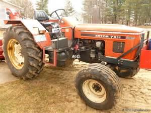 tracteur Zetor 7011