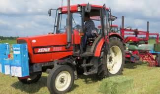 tracteur Zetor 8520